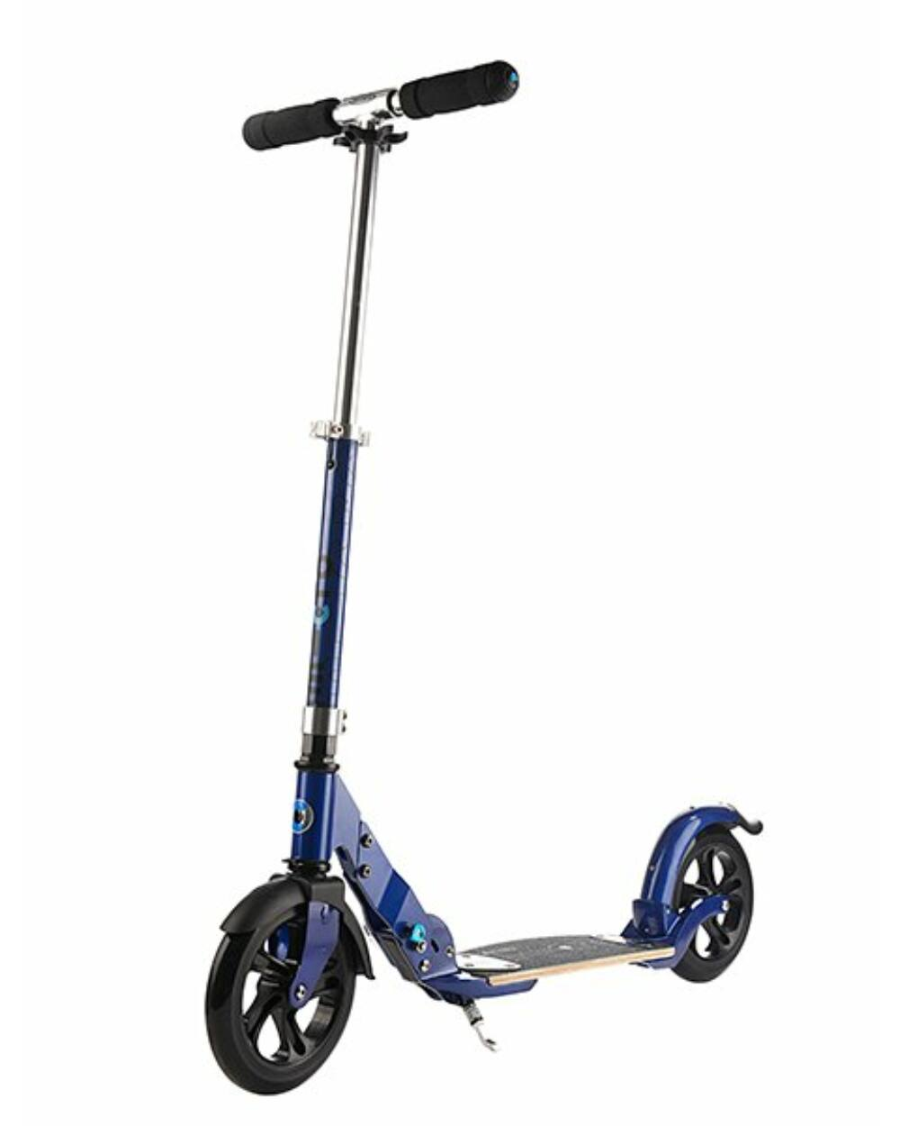 Micro Flex Deluxe városi roller 200mm kerekekkel, kék