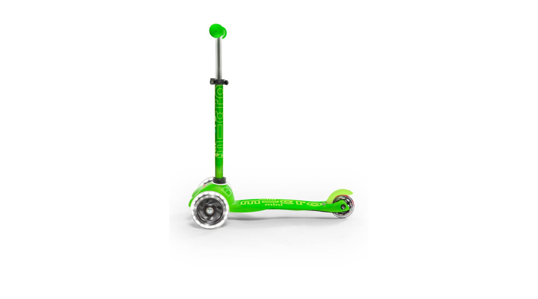 281c7a6968 Mini Micro Deluxe LED roller világító kerékkel, zöld - a-Wear Sport ...