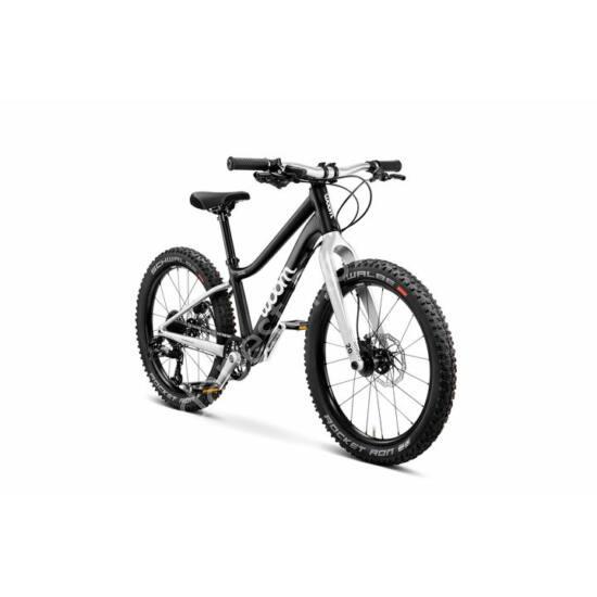 """Woom OFF 4 fekete 20"""" gyerek kerékpár, 118-130 cm testmagasság, 7.8 kg"""